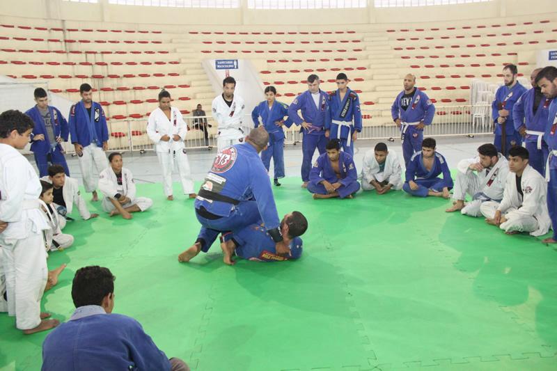 08.07_-_Complexo_Educacional_de_Itapevi_recebeu_treino_coletivo_de_alunos_do_programa_CIESI_2