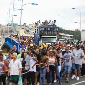 Foto 1 - Pedro Godoy (2) Multidão celebra aniversário de 59 anos de Itapevi Multidão celebra aniversário de 59 anos de Itapevi Foto 1 Pedro Godoy 2
