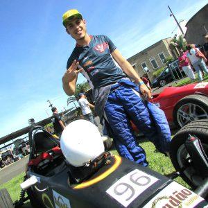 Lucas Veloso ECPA  Piloto de Itapevi brilha na última etapa da Copa ECPA de Fórmula Vee Lucas Veloso ECPA