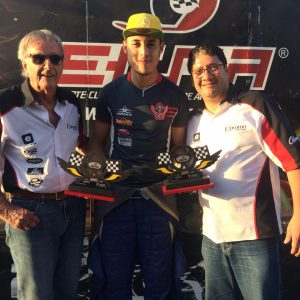 Lucas Veloso com o Wilsinho  Piloto de Itapevi brilha na última etapa da Copa ECPA de Fórmula Vee Lucas Veloso com o Wilsinho