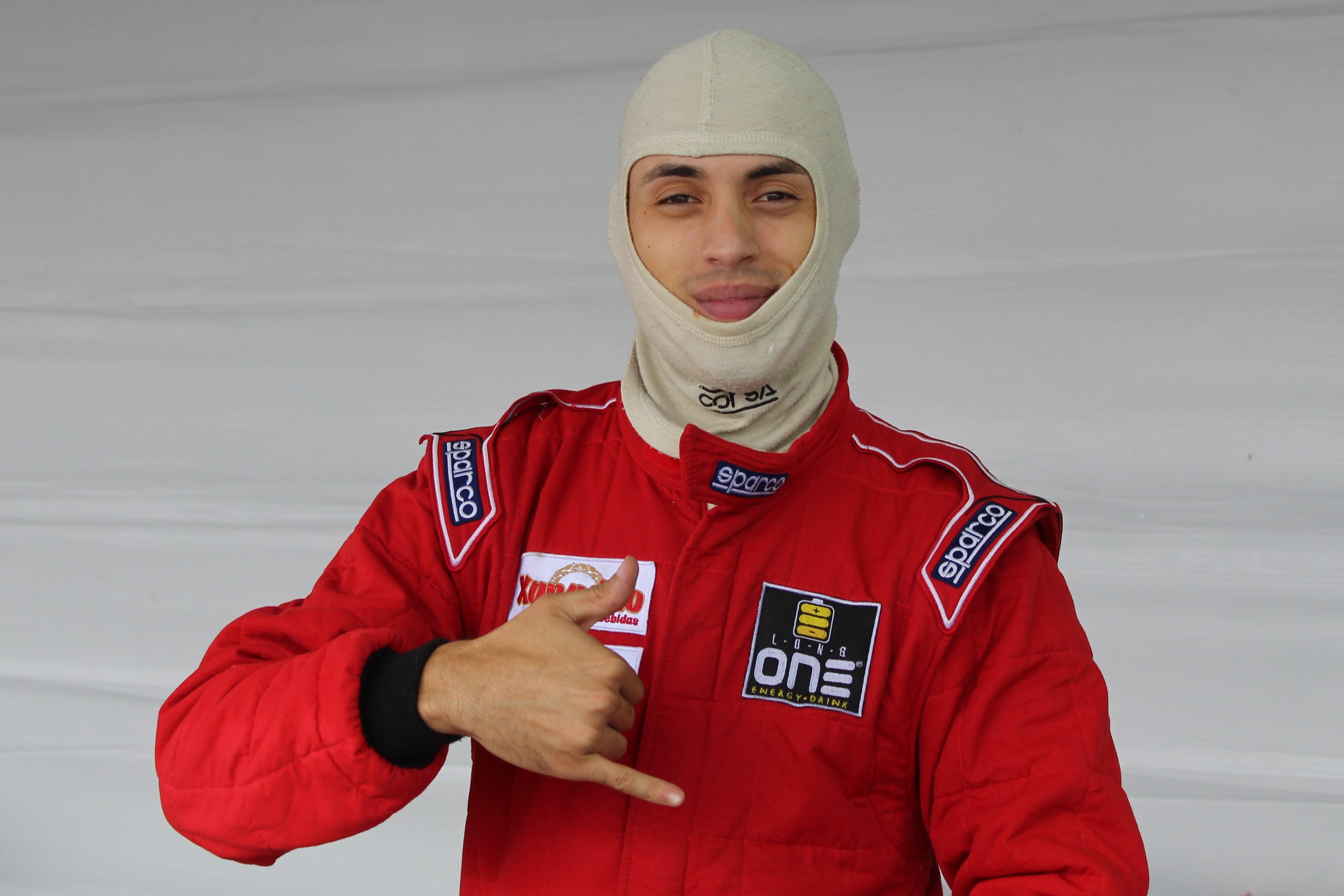 Lucas Veloso - box  Piloto de Itapevi disputa GP da Fórmula Vee em homenagem a Niki Lauda Lucas Veloso box