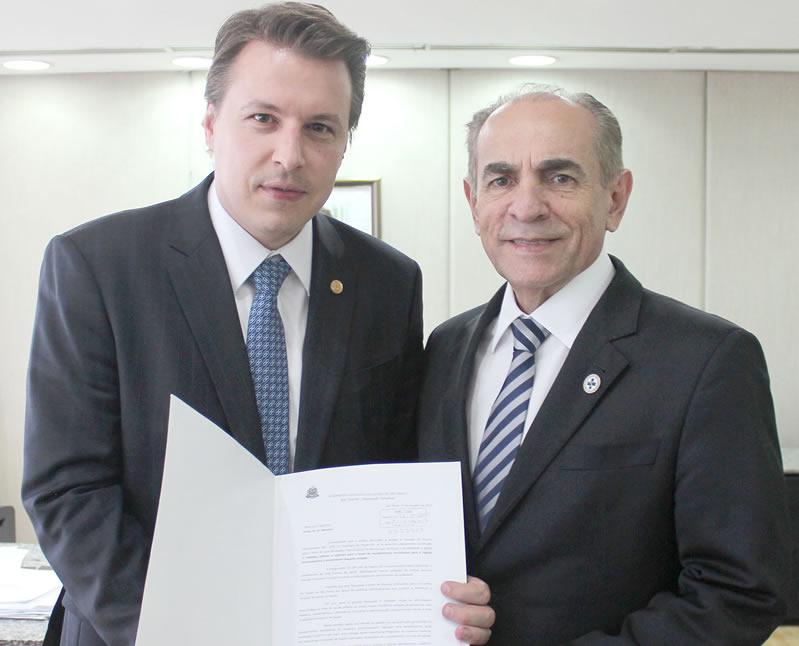 Igor_solicita_ao_ministro_equipamentos_para_UPA_24h