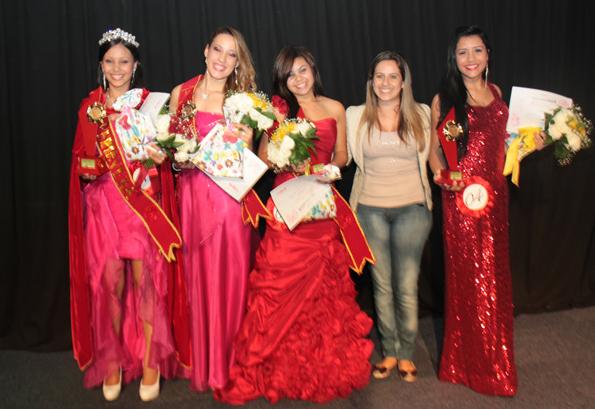 Camila Godoi prestigia concurso Miss Primavera Cultural
