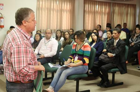 Prof Paulinho realiza reunião com servidores da Câmara de Itapevi