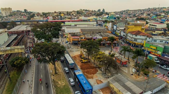 Prefeitura inicia obras de reurbanização da Praça Carlos de Castro