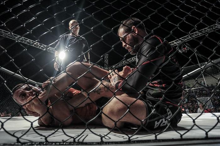 Itapevi reúne cerca de 3 mil pessoas em evento inédito de MMA