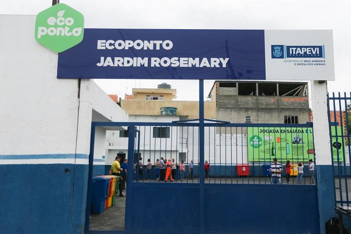 Igor Soares inaugura Eco Ponto no Jardim Rosemary