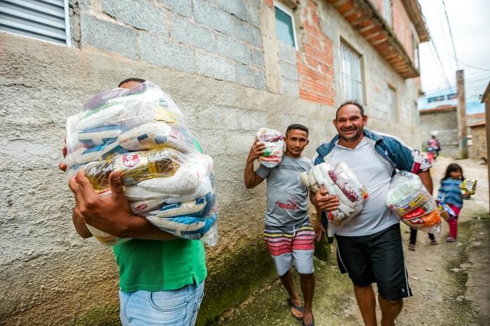 Acolher finaliza entrega de 2,5 mil cestas básicas para população carente de Itapevi