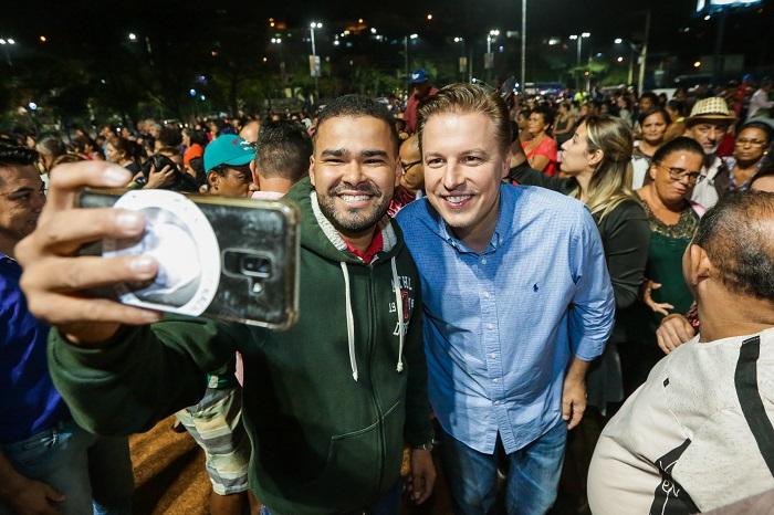 Igor Soares entrega à população Piscinão do Parque Suburbano e Praça do Povo