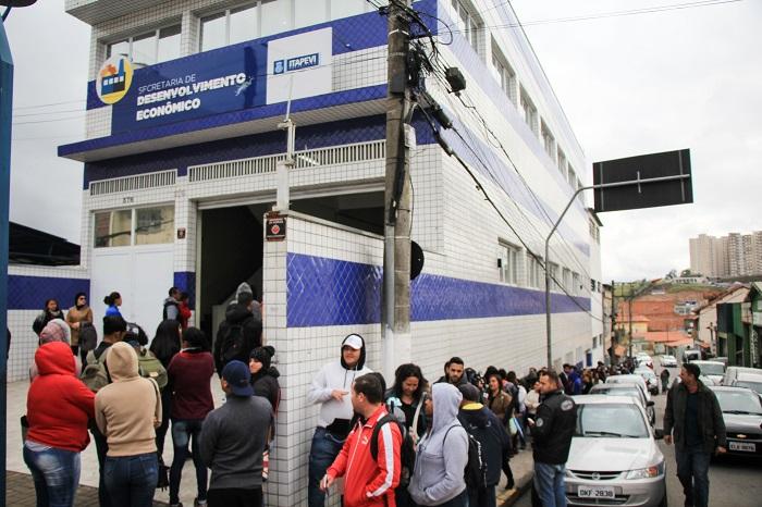 Seleção para mais de 1 mil vagas começa em Itapevi