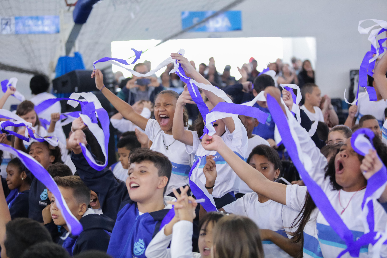 Prefeitura realiza formatura de 3,7 mil alunos do 5º ano da rede municipal