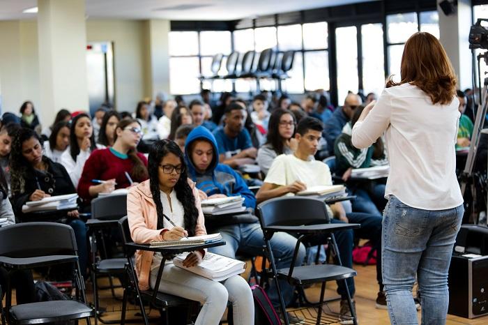 320 vagas abertas para cursos na Escola 5.0 de Tecnologia e Idiomas