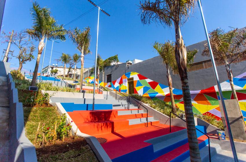 Escadão no Centro de Itapevi é revitalizado e obra é inaugurada