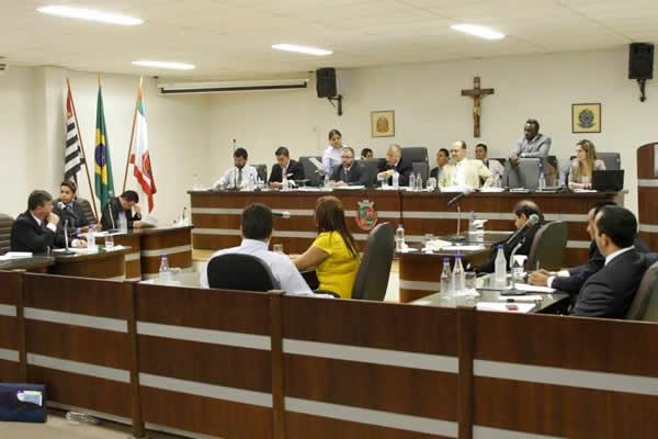 Jaci Tadeu e Governo do Estado retomam discussões da Etec Itapevi