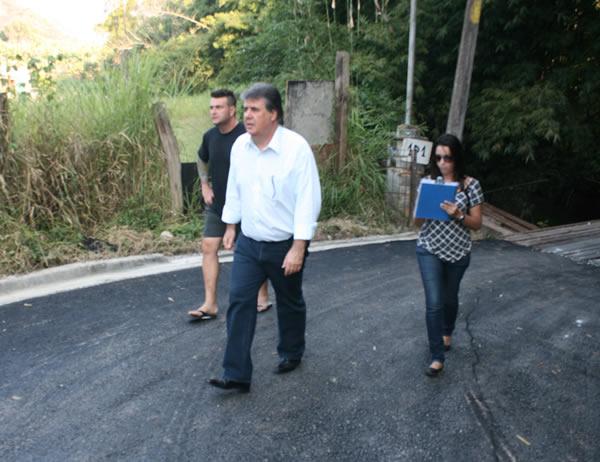 Prosseguem as obras de pavimentação em Ambuitá
