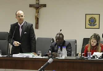 Aprovado projeto de lei sobre funcionamento de templos religiosos de autoria do Vereador Julio Portela