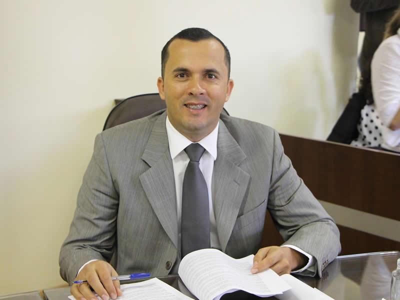 Alexandre Rodrigues  consegue anistia para mais de 20 mil moradores de Itapevi